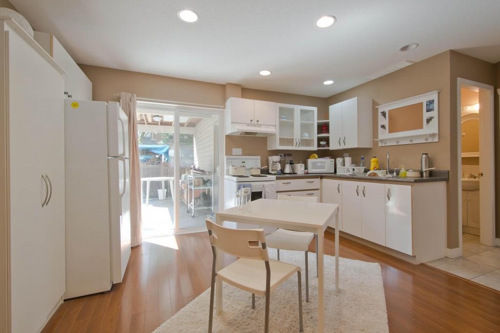3555 Murchie Place Coquitlam-print-017-suite kitchen-4200x2800-300dpi